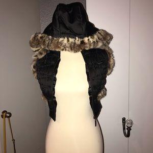 GUESS black vest with 100% rabbit fur detail.